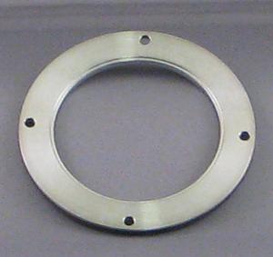 Target retaining ring on Desk IV TSC